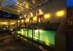 (1) Azizah Syariah Hotel Solo