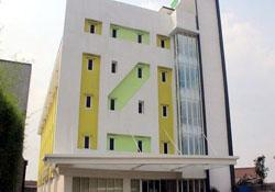 (1) Izi Hotel Bogor