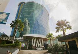 (1) Oval Hotel Surabaya
