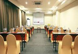 (3) Atrium Premiere Hotel Yogyakarta