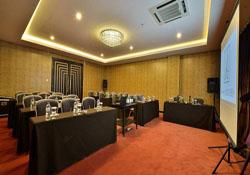 amaroosacosmojakarta_meetingroom_974506
