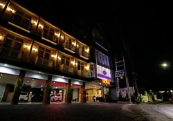 Bluebells Express Hotel Malang